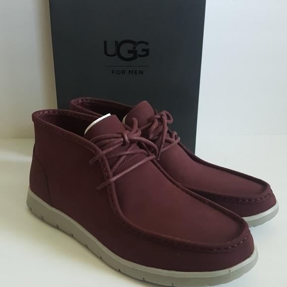ff5e4b8a0e6 New UGG Hendrickson Leather Chukka Boots NWT